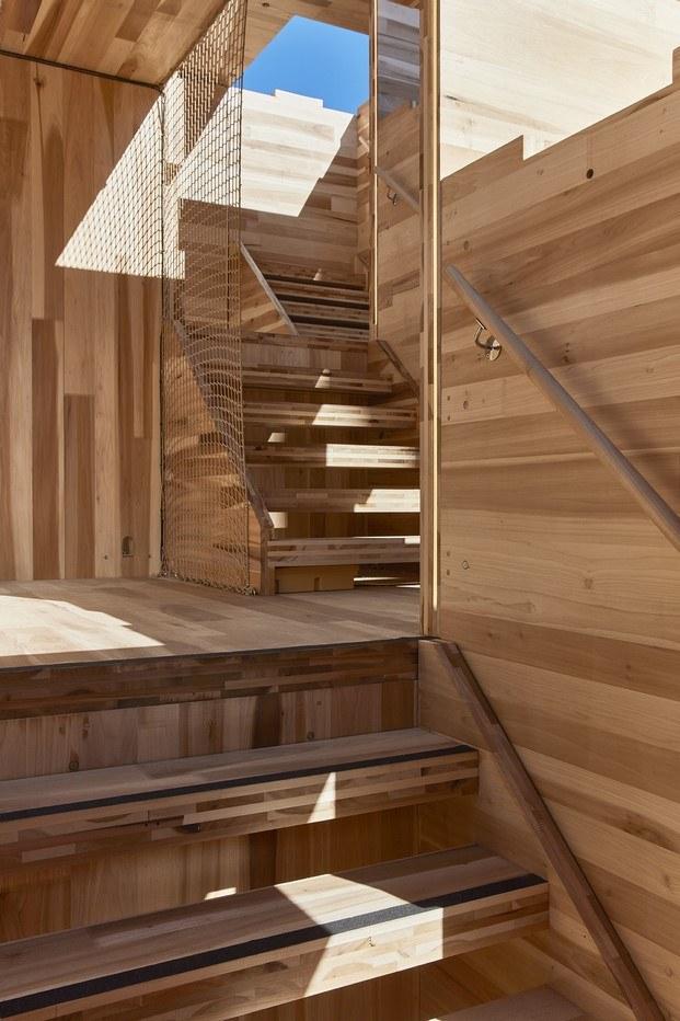 pabellón de madera multiply