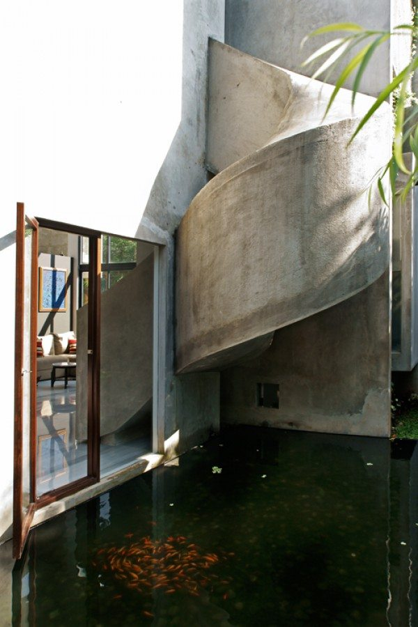tobogán de hormigón casa playhouse en indonesia