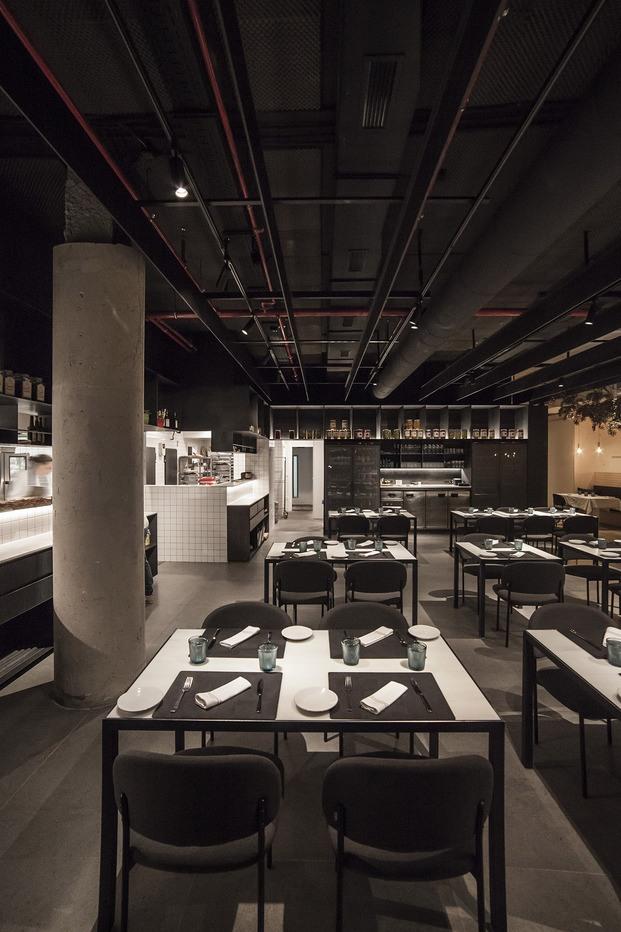restaurante Habitual Valencia. Proyecto de Made Studio. Cocina abierta