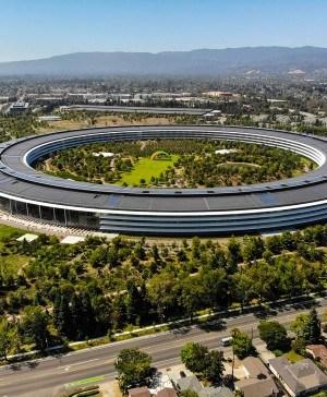 edificio apple de norman foster ejemplo de construcción sostenible