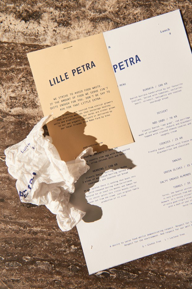 carta café en copenhague little petra