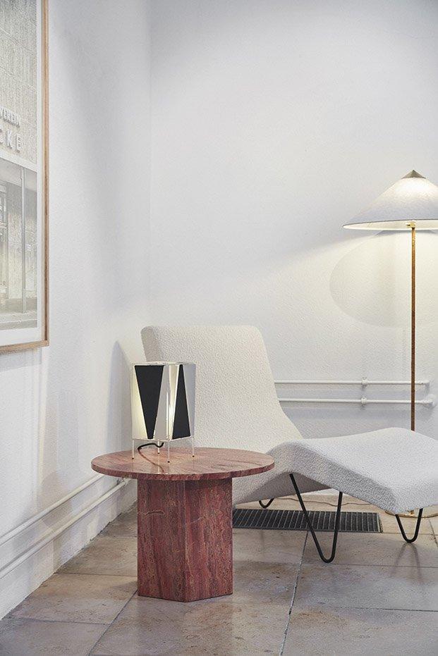 chaise longue gmg diseñada por greta grossmann para gubi