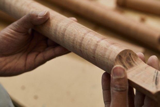 detalle wooden hinge diseño en madera legacy