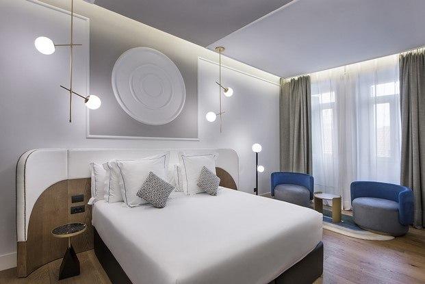 iluminación habitación hotel