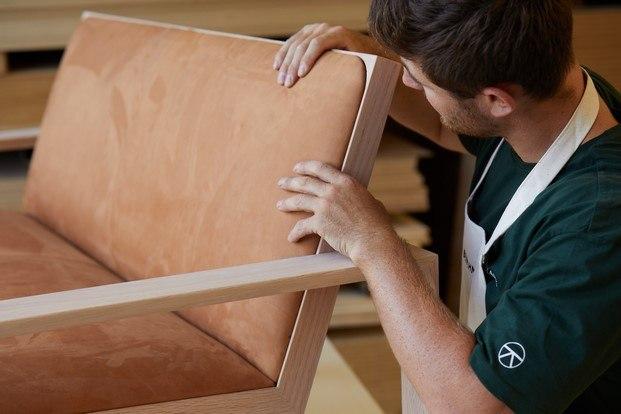 fabricación Duo diseño en madera de Terence Woodgate para Alex Beard