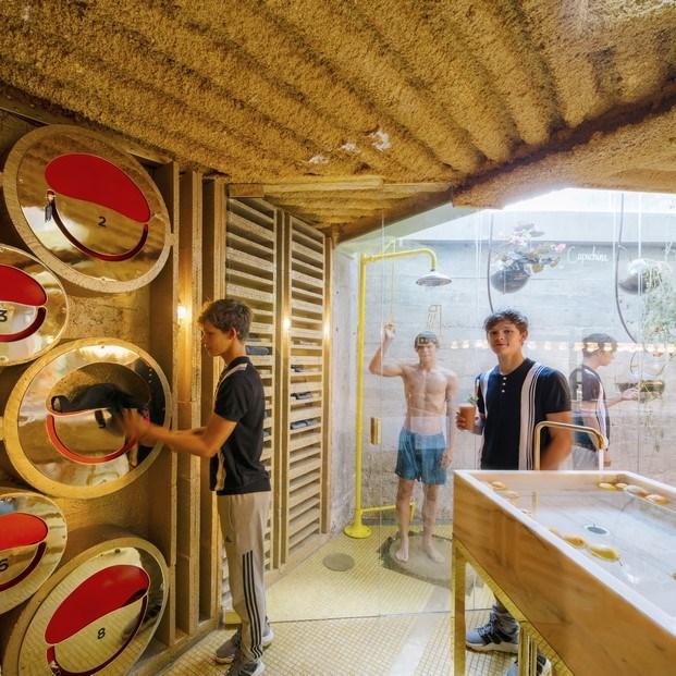 duchas comedor en un solo espacio restaurante sano en madrid