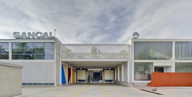 Nuevas oficinas Sancal. Entrada edificio