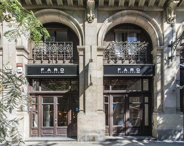 Showroom Faro Barcelona en El Born. Fachada tienda