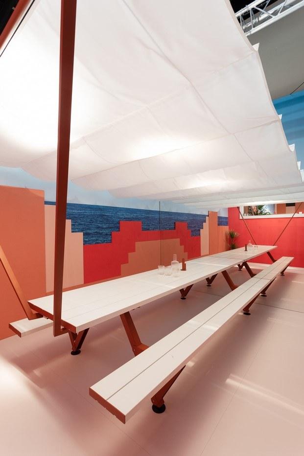 mesa hopper extremis muralla roja de calpe