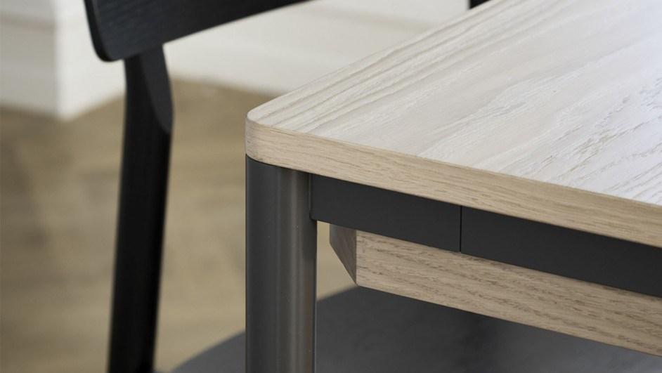 mesa de metal y madera woud
