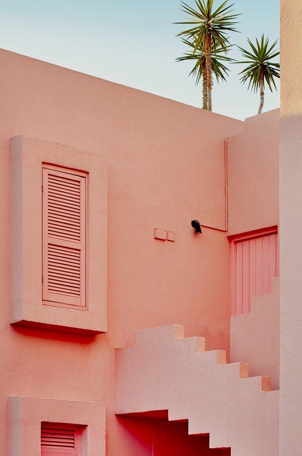 exterior muralla roja de calpe ricardo bofill