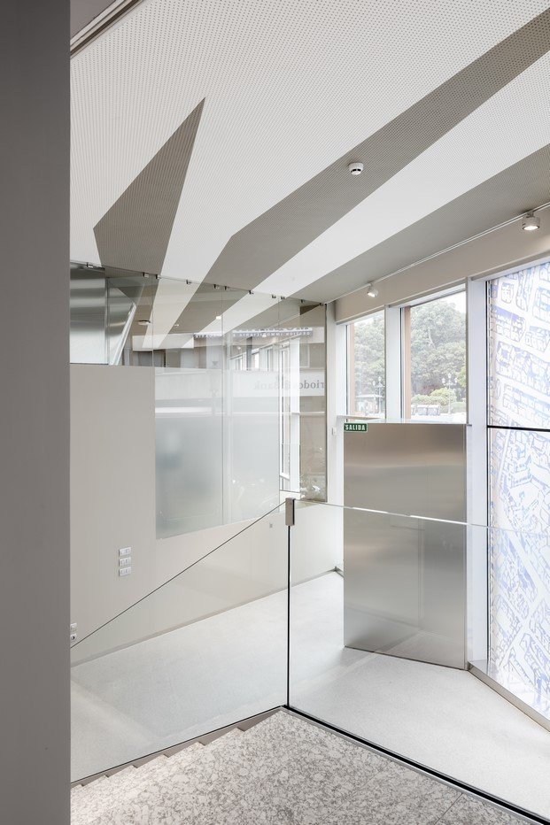 oficina luminosa en valencia mateo arquitectura