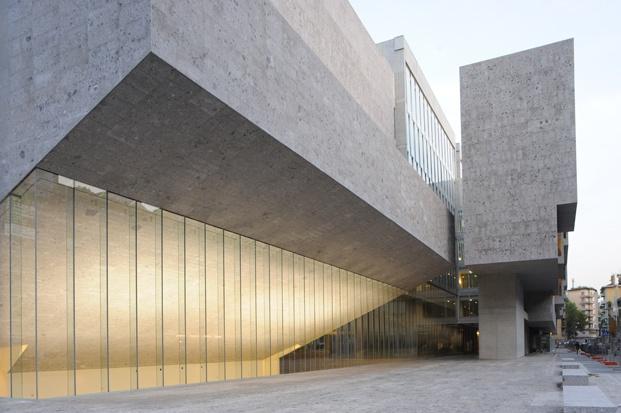 universidad luigi bocconi milán grafton architects pritzker 2020