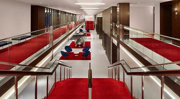 escalera centro de eventos en el aeropuerto jfk nueva york