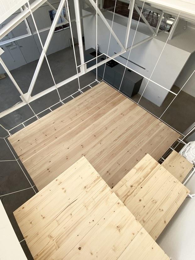 plataforma para dormitorio en la vivienda de clara cebrián