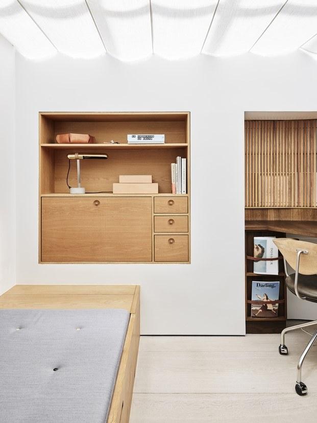 habitación pequeña blanco y madera estilo escandinavo