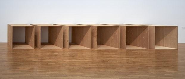 escultura en madera contrachapada donald judd