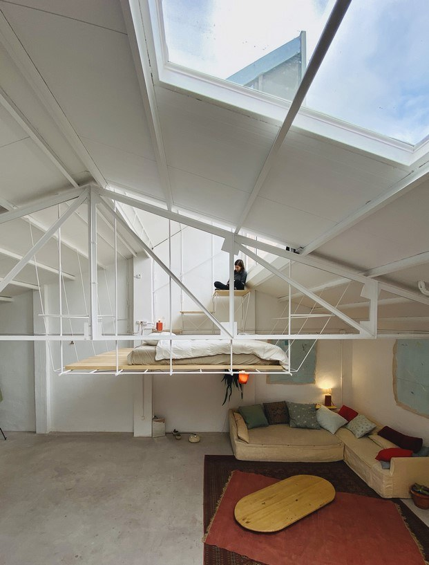 dormitorio suite estructura plataforma en casa estudio de clara cebrián para pía mendaro
