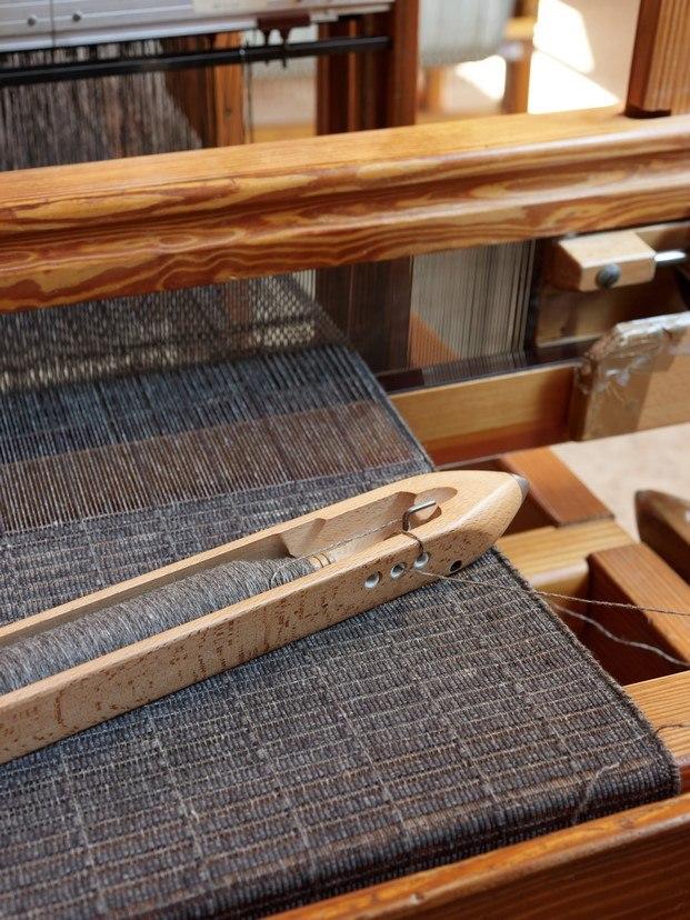 telar teixidors con plaid tile diseño de john pawson