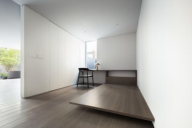 Casa minimalista Japón. Nendo. habitación