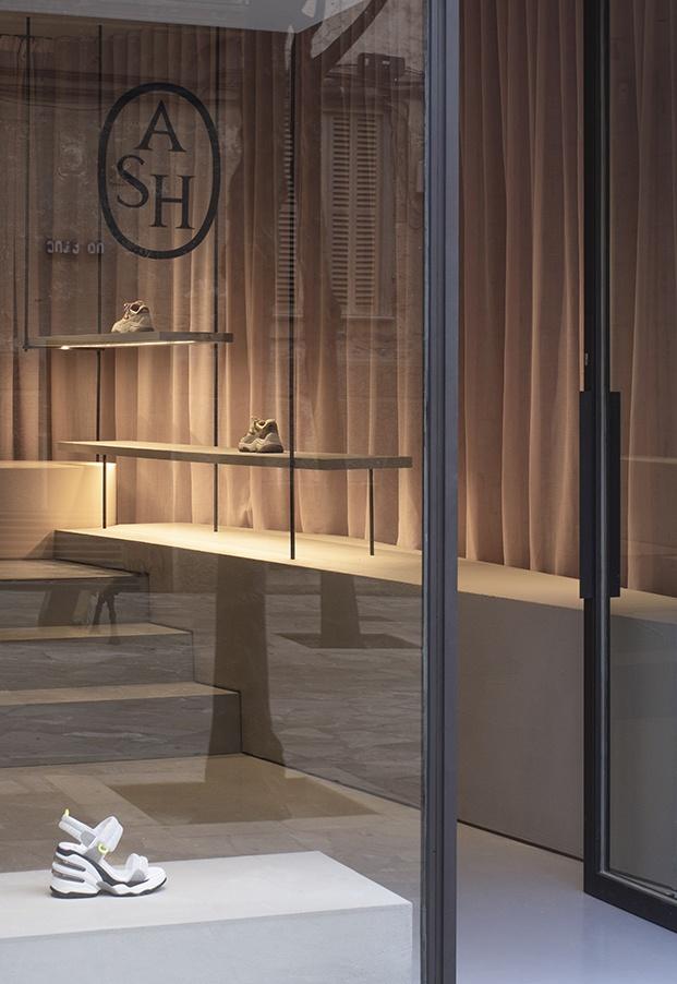 Zapatería ASH Mallorca. Interiorismo de Francesc Rifé