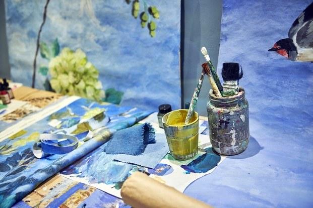 azul out of the blue exposición en londres