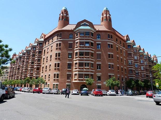 edificio la finca roja valencia