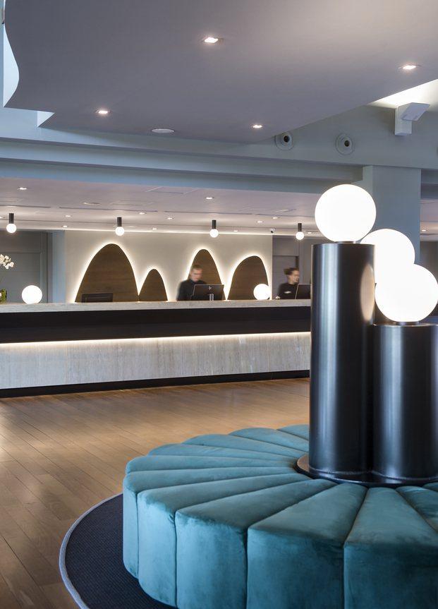 Alfaro-Manrique Atelier. Double Tree by Hilton Barcelona Golf. Lobby