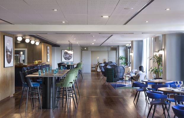 Alfaro-Manrique Atelier. Double Tree by Hilton Barcelona Golf. Restaurante
