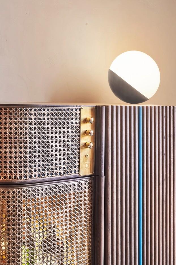El mueble bar, un diseño a medida realizado por los arquitectos de OhLab para el hotel Can Bordoy