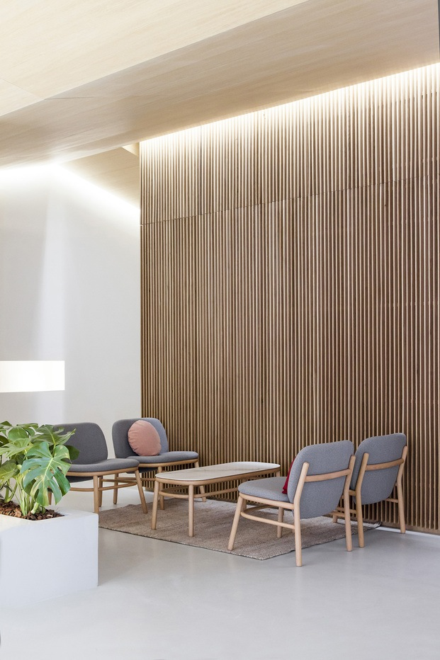 Clínica Dental Carbonell. Paiporta, Valencia. Interiorismo de Made Studio. Sillas Ondarreta