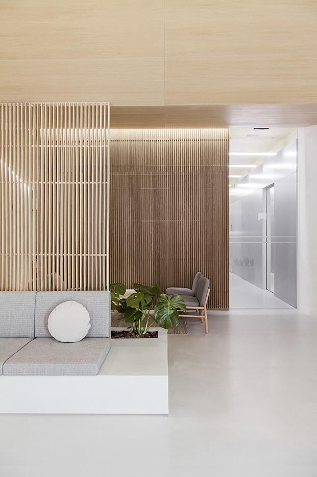 Clínica Dental Carbonell. Paiporta, Valencia. Interiorismo de Made Studio. Sala de espera