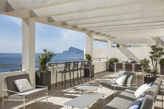 casa de vacaciones en Altea. Rafael Senabre. Mobiliario Momocca. Terraza con vistas al mar