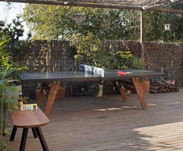 ping pong en una terraza