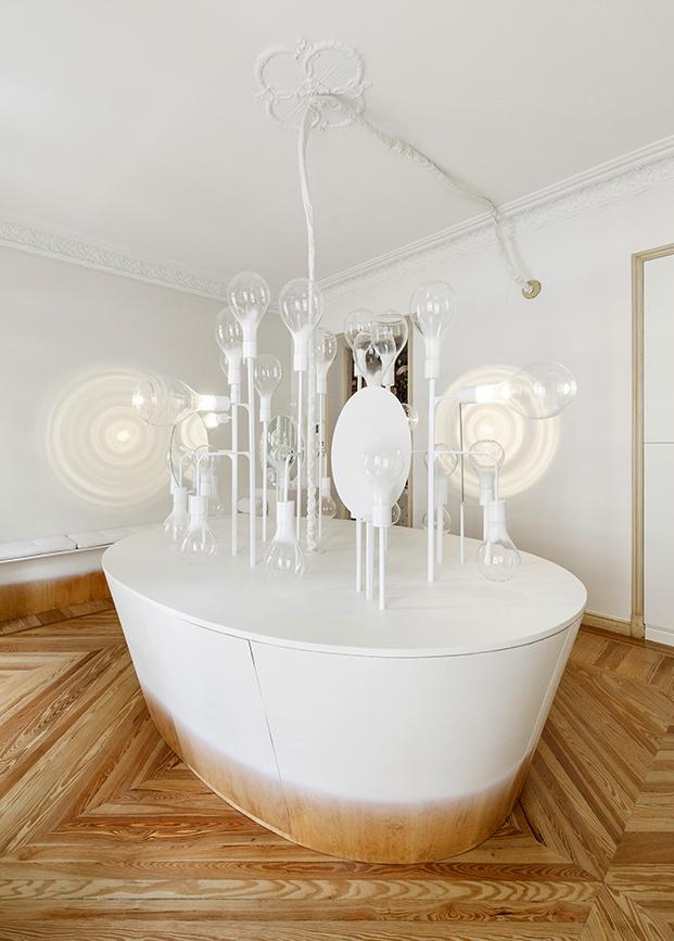 Detalle del mueble principal estilo bañera. Espacio Niessen de Casa Decor 2020 por Mayice