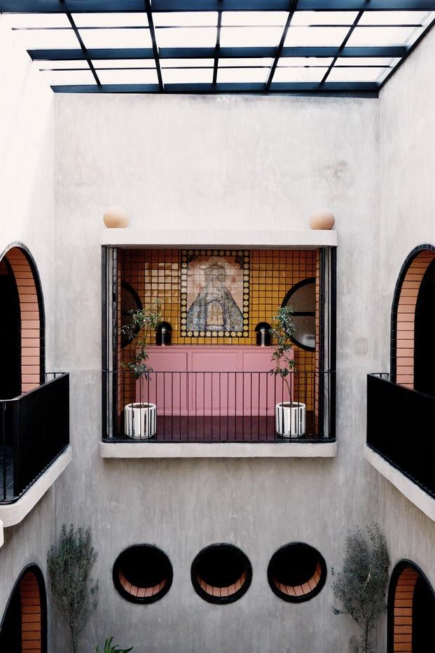 Hotel Boutique Casa Hoyos. México. Mural Virgen de Loreto
