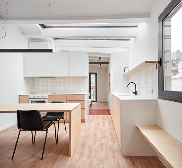 Desde el salón, el cocmedor, la cocina, el baño y el dormitorio de la planta segunda de la casa Akari