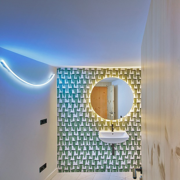 Detalle del baño de la clínica dental Impress
