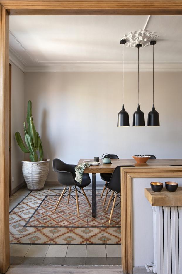 Suelos hidráulicos y molduras de techos. Noé Prades interiorista Barcelona