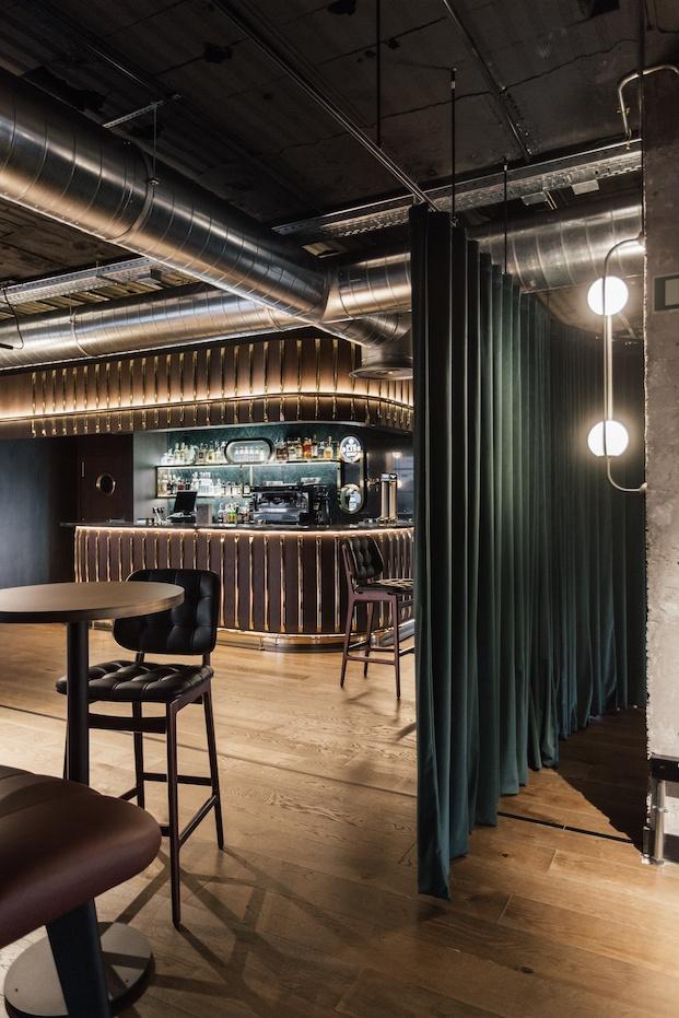 Estilo Mid-Century Revival Café