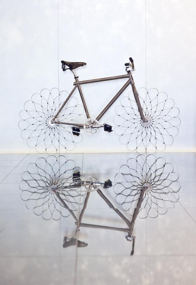 Bicicleta Two Nuns de Ron Arad