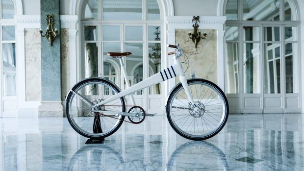 Bicicleta eléctrica Coleen Jean Prouvé