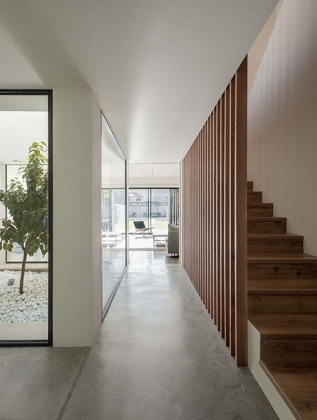 La madera es la gran protagonista, el suelo es de microcemento
