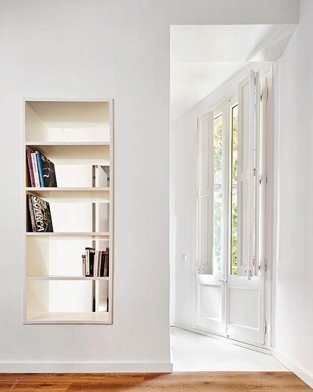 Todos los ambientes del apartamento proyectado por Raúl Sánchez están conectados unos con otros