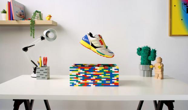 Co-branding Lego + Adidas