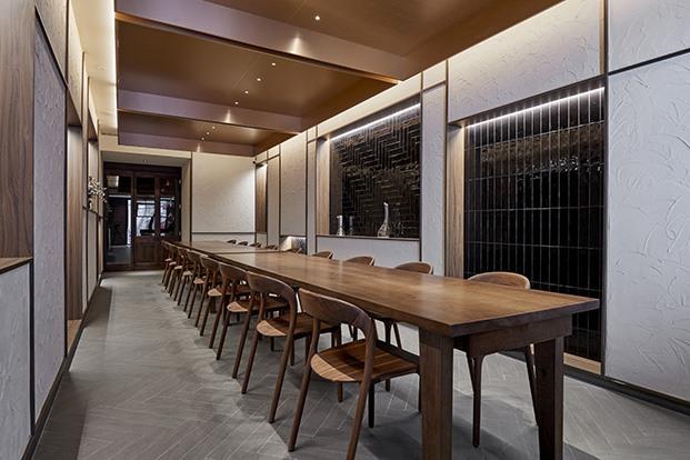 Restaurant Cinc Sentits. Diseñado por Destila.