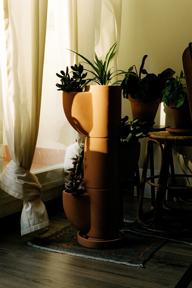 Sampere cerámica de vanguardia para alta gastronomía. Macetero Gaia