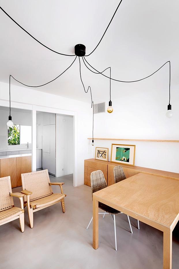 Todos los muebles principales han sido diseñados especialmente para el apartamento por el interiorista.