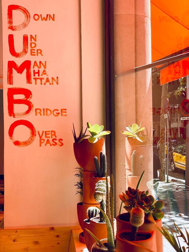 Dumbo Café. Grupo San Telmo. Barcelona. Interiorismo naranja