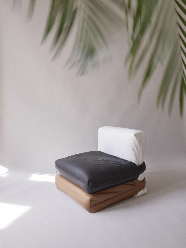 The Pillow Sofa. Muller Van Severen para KASSL.